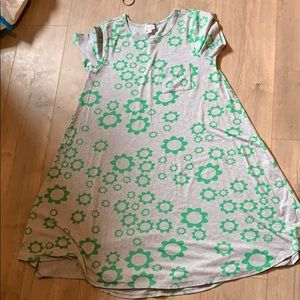 Large gray and green flower Carly lularoe mommy me